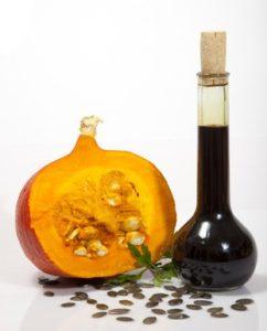 rimedi fitoterapici: olio di semi di zucca dai molteplici benefici